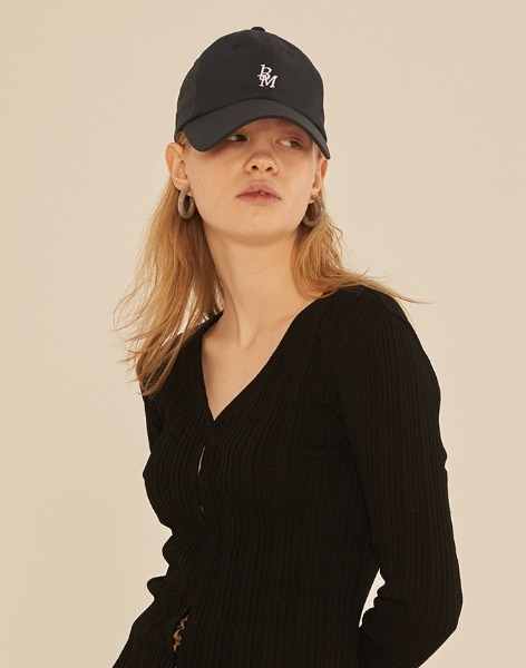 韓国ブランド「13MONTH」の13M LOGO BALL CAP (NAVY)