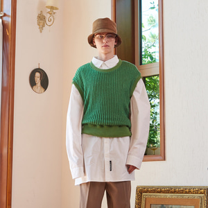 【13MONTH】ROUND KNIT VEST (GREEN)