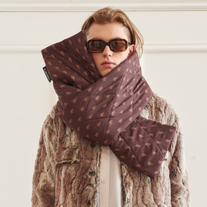 【13MONTH】13M PRINT QUILTING MUFFLER (BROWN)