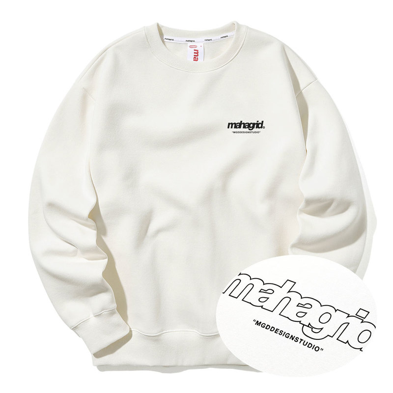 韓国ブランド「mahagrid」のBACK THIRD LOGO CREWNECK[IVORY]
