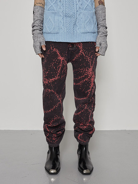 韓国ブランド「OPEN THE DOOR」のsprinkle painting washing denim pants (2 color) - men