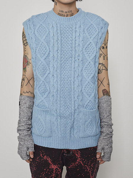 韓国ブランド「OPEN THE DOOR」のcable knit pocket vest (5 color) - men