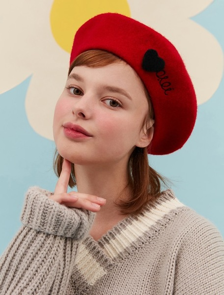 BROOCH POINT BERET_red