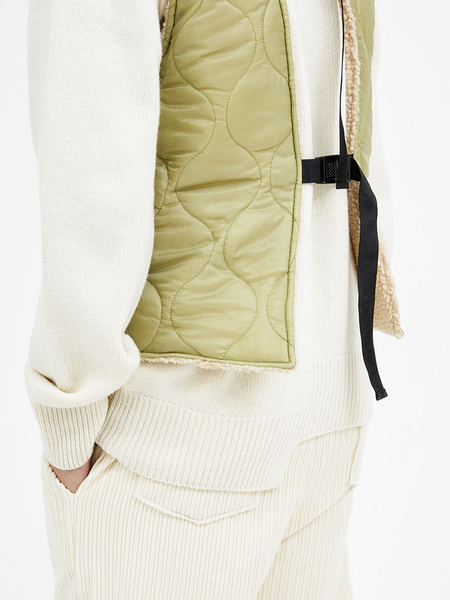 韓国ブランド「OPEN THE DOOR」のreversible quilting vest (2 color) - men