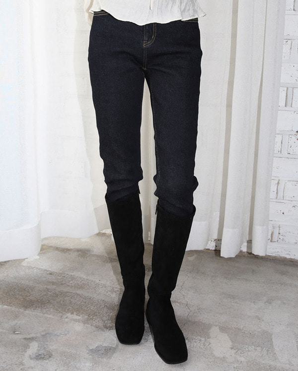 韓国ブランド「AIN」のshape napping skinny pants (s, m, l)