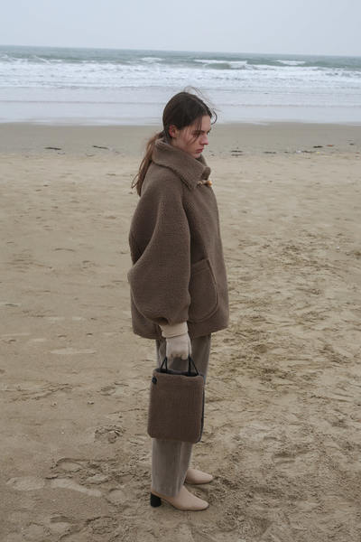 韓国ブランド「More or Less」のSHEARING WOOL COAT - OLIVE KHAKI