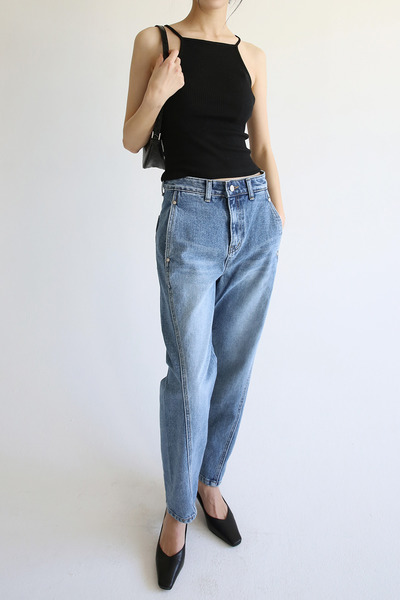 韓国ブランド「moaoL」のstraight cool denim pants (denim)