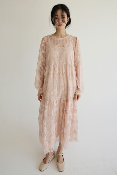 韓国ブランド「moaoL」のunique lace dress (2colors)
