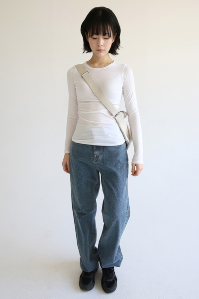 韓国ブランド「moaoL」のrough maxi jeans (3colors)