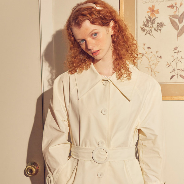 韓国ブランド「SALON DE YOHN」のRing Buckle Trench Coat_ Ivory