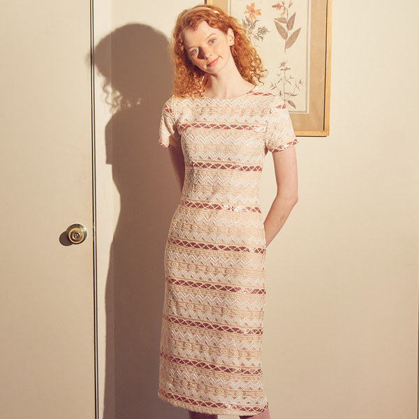 韓国ブランド「SALON DE YOHN」のRomantic Spangle Midi Dress_ Ivory