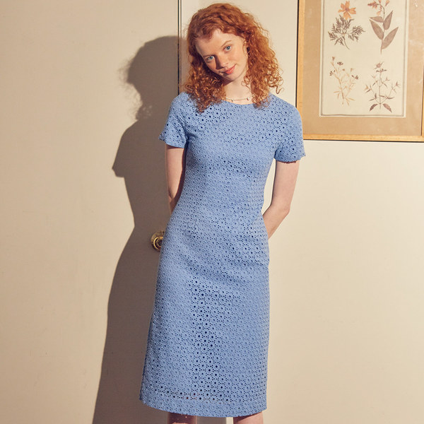 韓国ブランド「SALON DE YOHN」のLace Midi Dress_ Blue