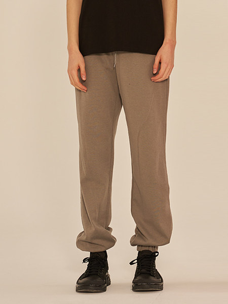 韓国ブランド「13MONTH」のDRAPE JOGGER PANTS (GRAY)