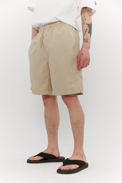 韓国ブランド「ISTKUNST」のTASLAN BEACH SHORTS[BEIGE]