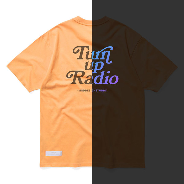 韓国ブランド「mahagrid」のRAINBOW REFLECTIVE GROOVY TEE[ORANGE]