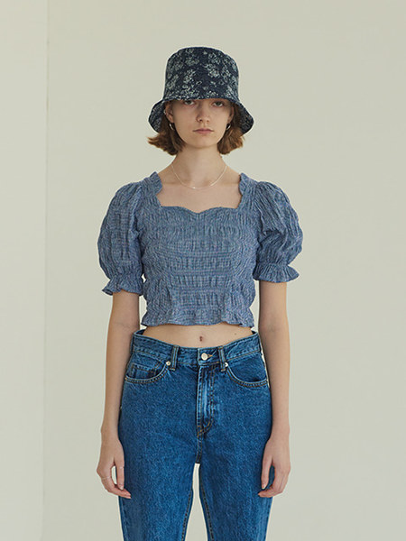 韓国ブランド「TMO BY 13MONTH」のPUFF BACK BANDING BLOUSE (BLUE)