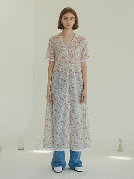 韓国ブランド「TMO BY 13MONTH」のSEE-THROUGH ROBE ONE-PIECE (IVORY)