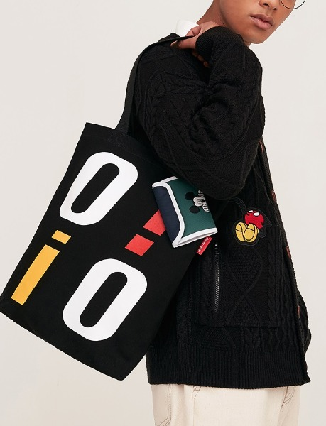 韓国ブランド「5252 by oioi」のPOCKET ECO BAG_black