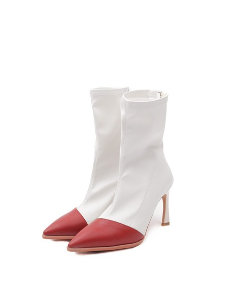 韓国ブランド「OPEN THE DOOR」のpoint red ankle boots