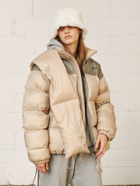 韓国ブランド「13MONTH」のDUCK DOWN PADDED JACKET (BEIGE)