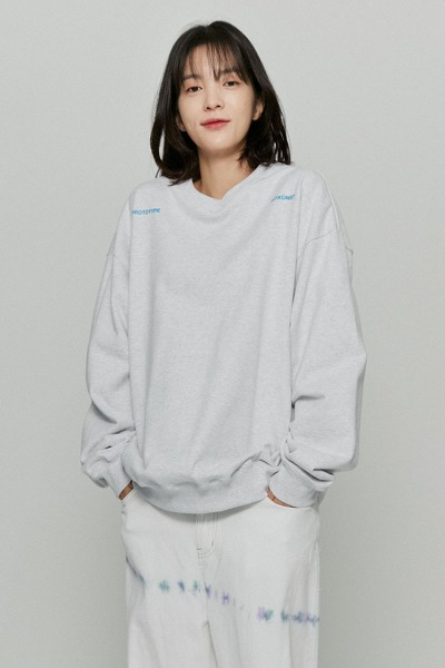 韓国ブランド「ISTKUNST」のPROTOTYPE SWEATSHIRTS[GREY]