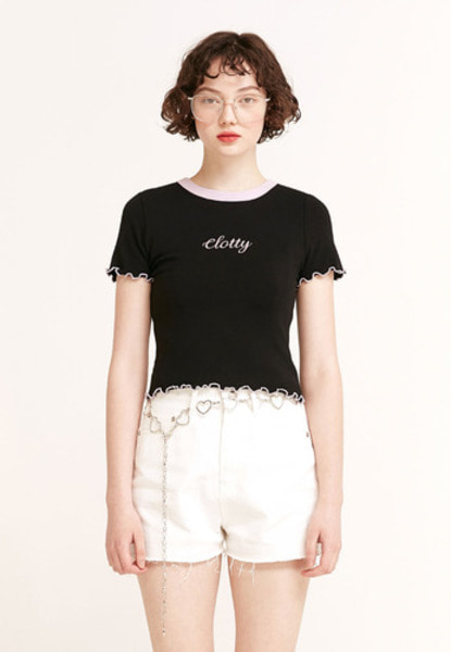 韓国ブランド「CLOTTY」の【APRIL イェナさん】LOGO WAVE CROP T-SHIRT[BLACK]