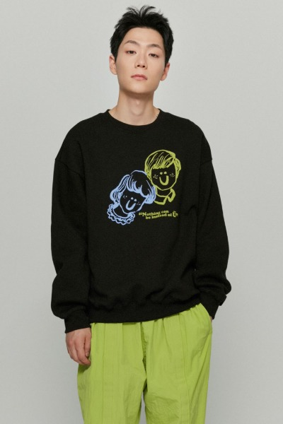 韓国ブランド「ISTKUNST」のBOY&GIRL SWEATSHIRTS[BLACK]