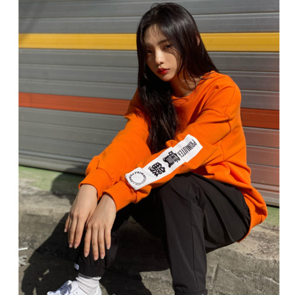 韓国ブランド「PRIMAUTER」のPM TAPING SWEATSHIRTS (Orange)