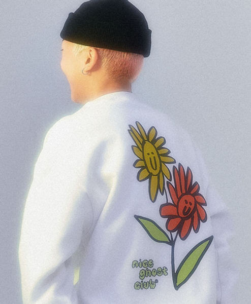 韓国ブランド「nice ghost club」のNGC_GHOST FLOWER SWEATSHIRTS[WHITE]