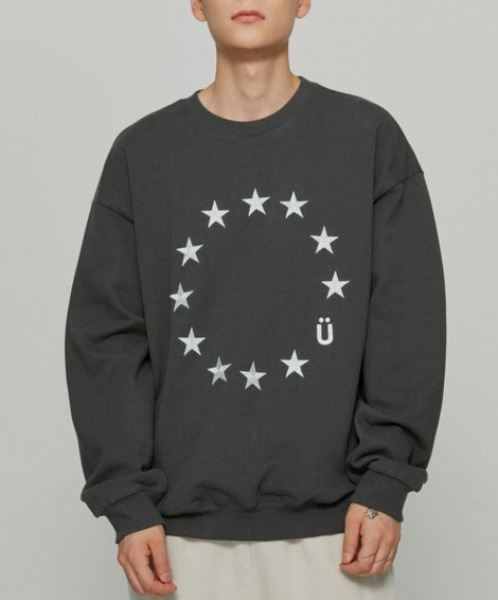 韓国ブランド「ISTKUNST」のEU LOGO SWEATSHIRTS[BLACK]