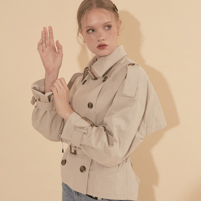 韓国ブランド「SALON DE YOHN」のShort Trench Coat_ Ivory