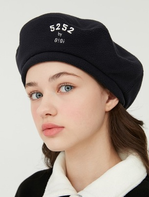 韓国ブランド「5252 by oioi 」のREVERSIBLE FLEECE BERET_navy