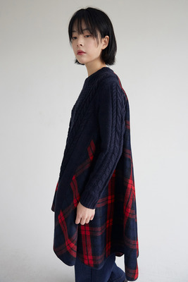 韓国ブランド「moaoL」のreversal blend check dress (2colors)