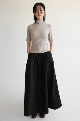 韓国ブランド「moaoL」のflare dry cotton skirts (2colors)