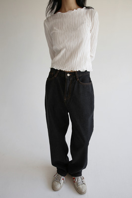 韓国ブランド「moaoL」のwide pot denim pants (black)
