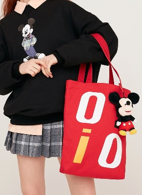 韓国ブランド「5252 by oioi」のPOCKET ECO BAG_red