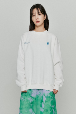 韓国ブランド「ISTKUNST」のFLAG SWEATSHIRTS[WHITE]