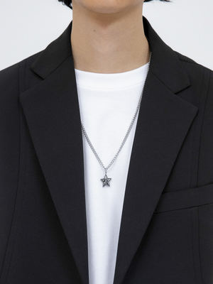 韓国ブランド「OPEN THE DOOR」のmatte star necklace